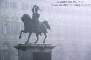 Statue of Emanuele Filiberto on horseback (copyright Antonio Vallone)